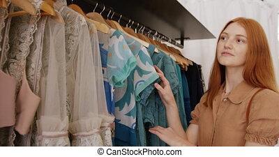 vêtements, jeune femme, magasin