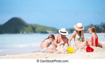 vacances famille, exotique, sable, confection, château, apprécier, plage, blanc