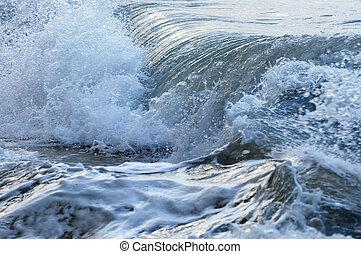 vagues, océan orageux