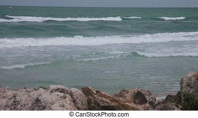 vagues, pierres plage