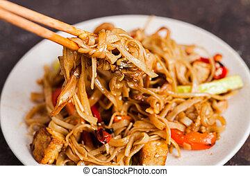vegan, asiatique, légumes, nouilles, udon, tofu