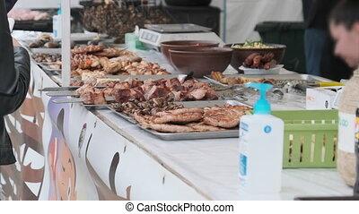 vendeur, rue, acheteur, nourriture, argent, achats, transferts, grillé, festival