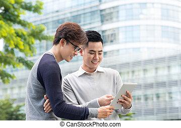 vendre, les, tablette, projection, client, produits, dehors, essayer, vendeur