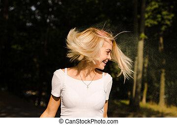 vent, chemise, t, festival, poser, blanc, femme, heureux, holi, cheveux, jeune