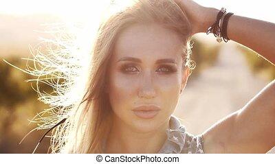 vent, femme, mouvement, jeune, cheveux, portrait, battement des gouvernes, sun's, lent