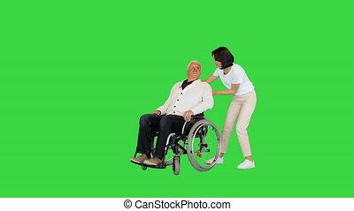 vert, chroma, key., handicapé, prendre, fauteuil roulant, femme, jeune, écran, elle, maison, finally, père