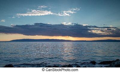 vidéo, ciel, sur, en mouvement, méditerranéen, nuages, loopable, coucher soleil, mer