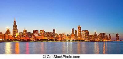 ville, bâtiments, éclairé, business, chicago, panorama, usa, en ville, horizon, coucher soleil, coloré