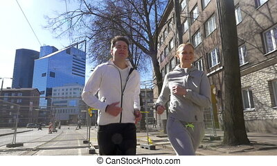 ville, course, couple, jeune, matin, avoir