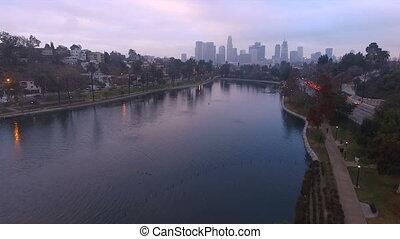ville, heure pointe, parc, lac, en ville, los, horizon, brouillard, trafic, local, angeles