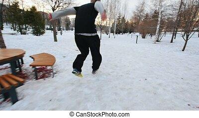 ville, hiver, sauts, parc, ralenti, traceur, free-runner