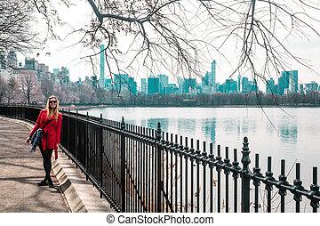 ville, marche, parc central, york, nouveau, girl, rivière, manhattan
