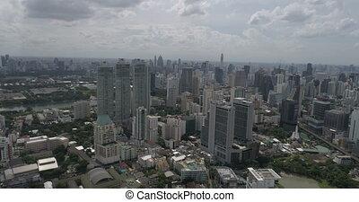 ville, moderne, jour, nuageux, pendant