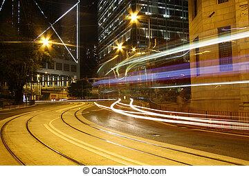ville, moderne, trafic, nuit