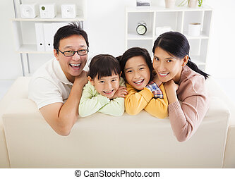 vivant, heureux, salle, famille, asiatique