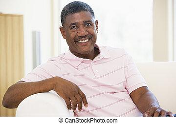 vivant, homme souriant, salle, séance