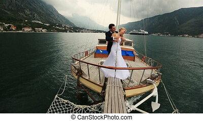 voile, budva, couple, poupe, étreindre, montenegro, mer, mariage, bateau