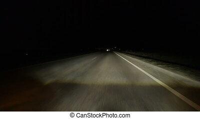 voiture, bord route, arrêts, nuit