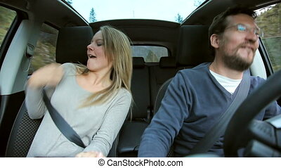 voiture, coupler danse, heureux