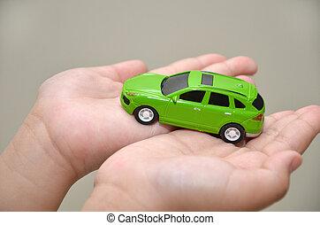 voiture jouet, main, vert