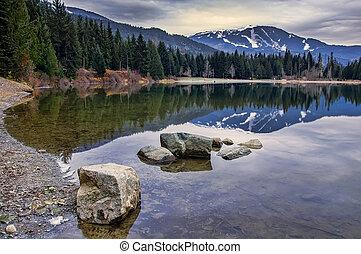 whistler, montagne, reflet, étang, rochers