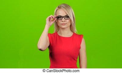 yeux, fermé, elle, clignements, écran, lunettes, vert, studio, blond, girl