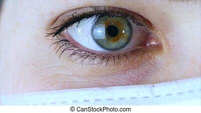 yeux, portrait femme, docteur, hôpital, masque, haut, chirurgien, clinic., docteur, prêt, fin, opération, ou