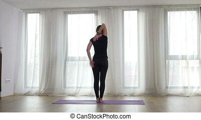 yoga, gymnase, yogi, lumière soleil, revêtement, fenêtre, devant, exercice